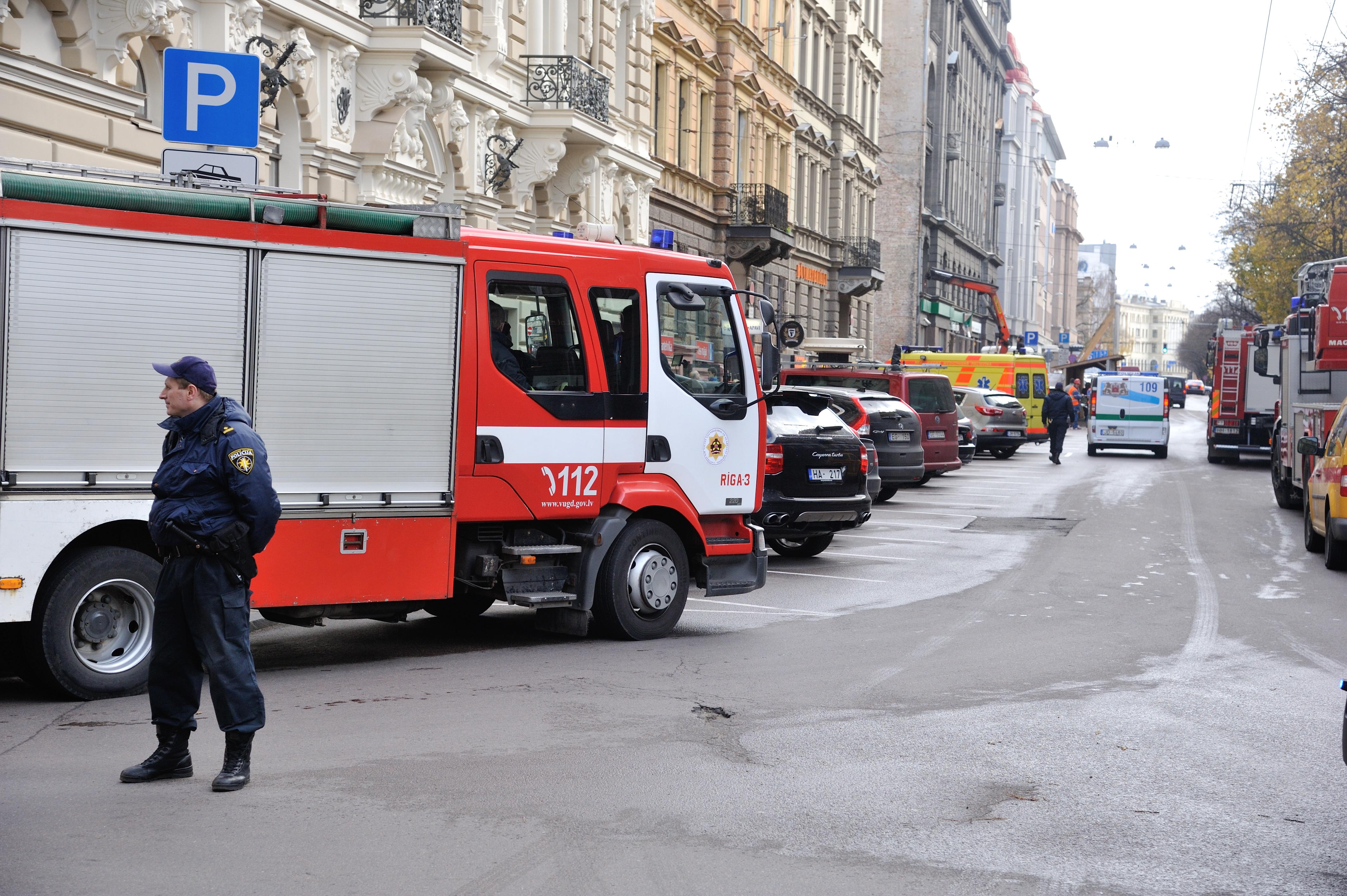 Ugunsgrçks Elizabetes iela 10B.  30/10/2013 foto: Timurs Subhankulovs/Latvijas Avîze