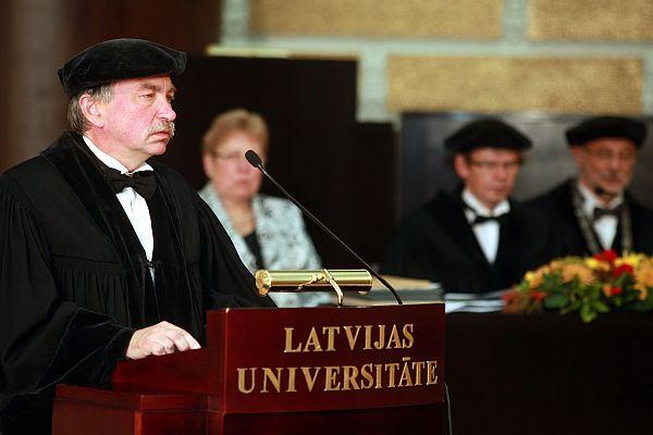 Latvijas Universitātes (LU) prorektors zinātņu jautājumos profesors Indriķis Muižnieks (no kreisās).