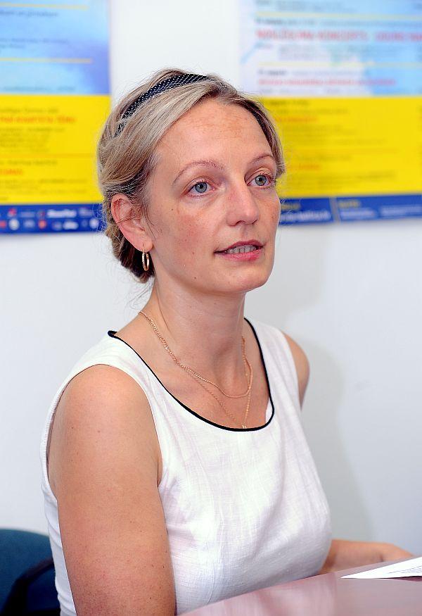"""Nodibinājuma """"Via Cuktura"""" valdes priekšsēdētāja Dace Bluķe piedalās preses konferencē, kurā informē par festivālu """"Via Baltica""""."""