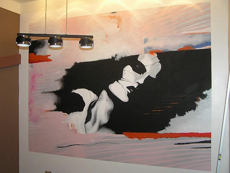Tagad populārs interjera noformēšanas veids ir gleznojumi uz sienām.