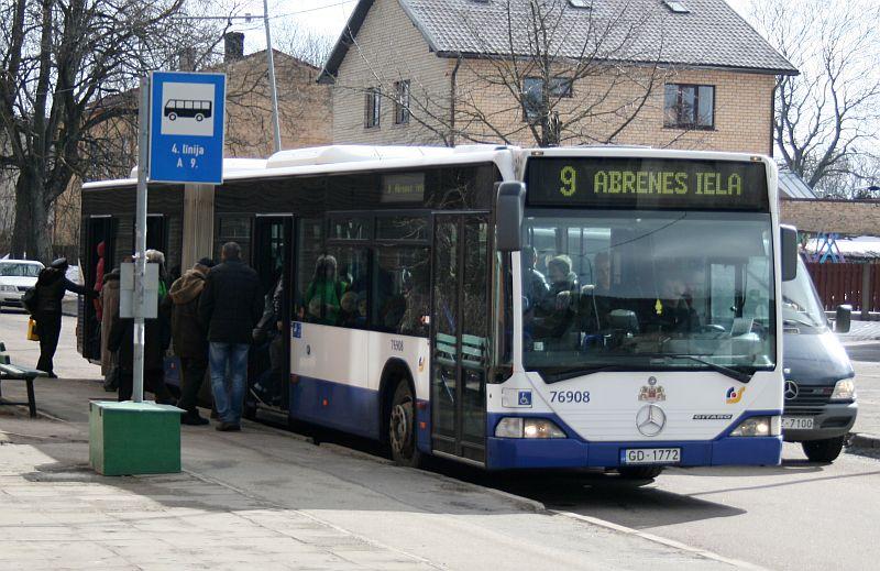 Sabiedriskais transports Čiekurkalnā.
