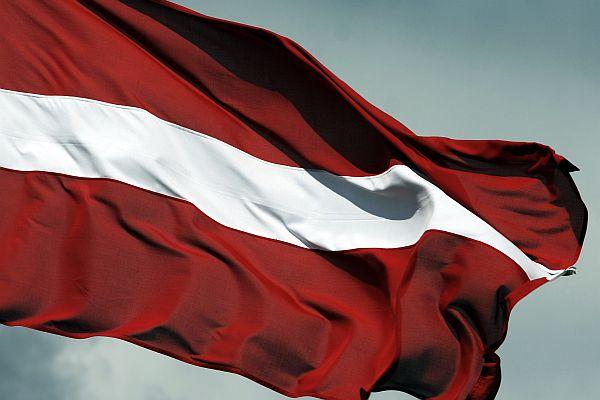 Latvijas karogs.