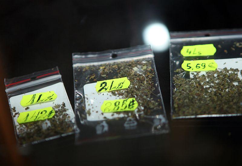 """Kampaņa pret """"legālajām narkotikām""""."""