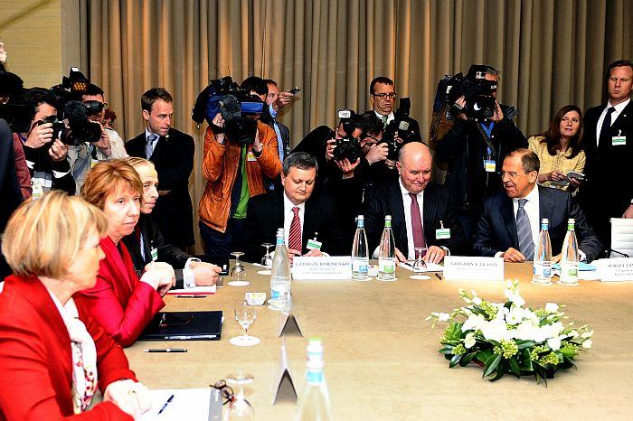 Krievijas ārlietu ministrs Sergejs Lavrovs un Eiropas valstu valdību pārstāvji sarunās Ženēvā