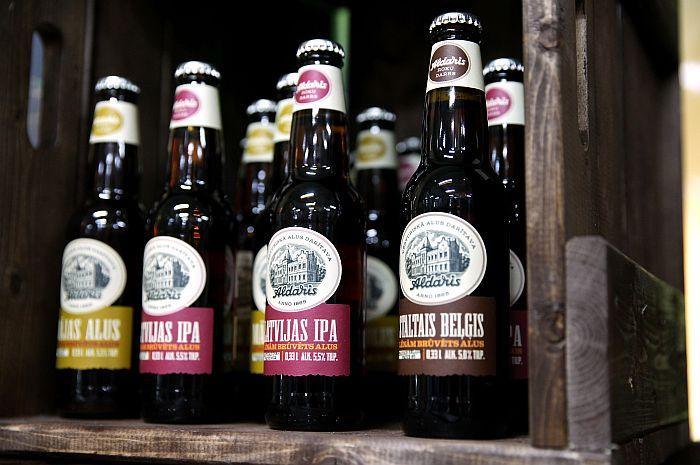 """""""Aldara"""" trīs ekskluzīvo alus šķirņu prezentācijas pasākums, atklājot vēsturisko alus darītavu."""