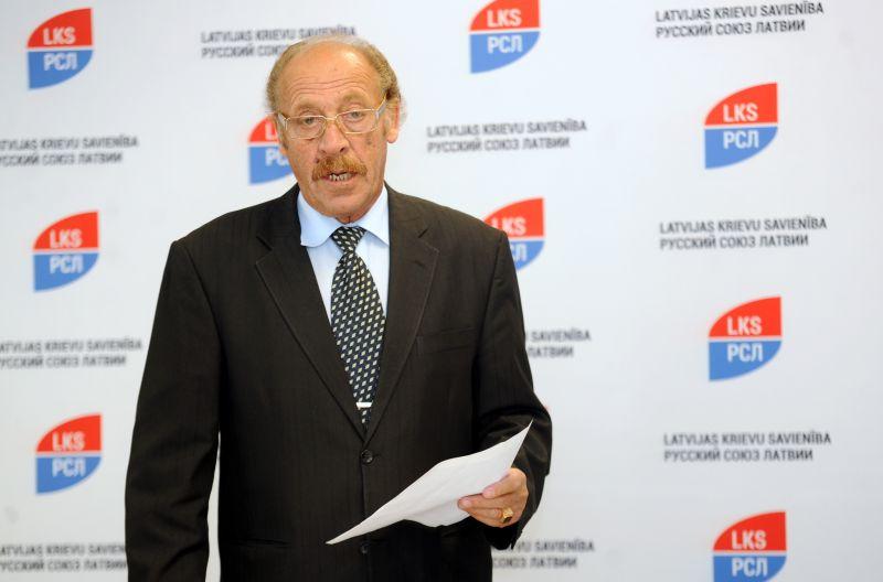 Latvijas Krievu savienības pārstāvis Jakovs Pliners