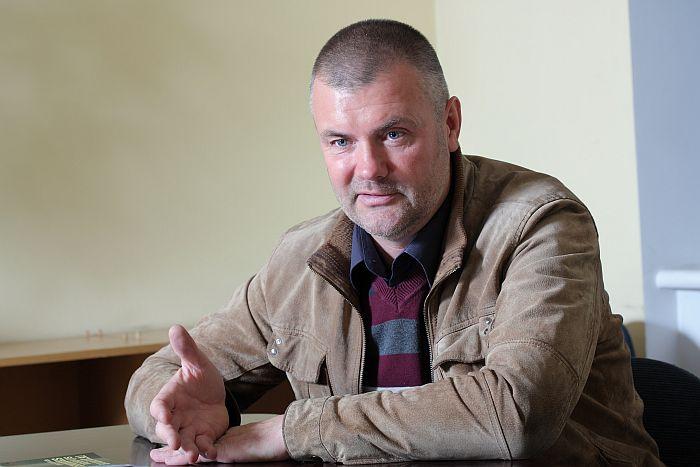 """Jānis Dzenis, Kokneses novada ZS """"Kalnavoti"""" saimnieks."""