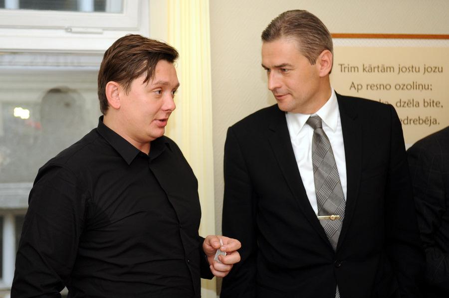 Artuss Kaimiņš (no kreisās) un Mārtiņš Bondars.