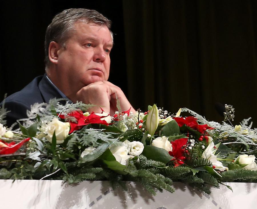 """Saeimas deputāts Jānis Urbanovičs piedalās partijas """"Saskaņa"""" kongresā Kultūras pilī """"Ziemeļblāzma""""."""