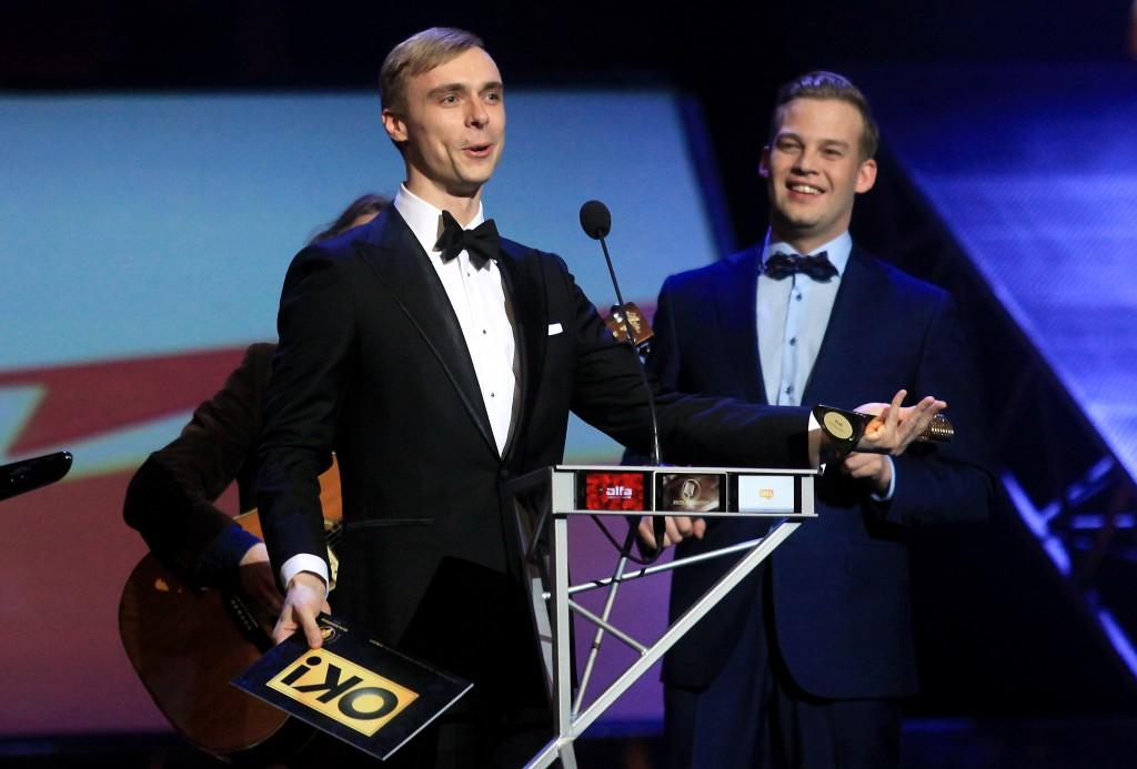 """Mūzikas ierakstu gada balvas """"Zelta mikrofons"""" pasniegšanas ceremonija Latvijas Nacionālajā operā."""
