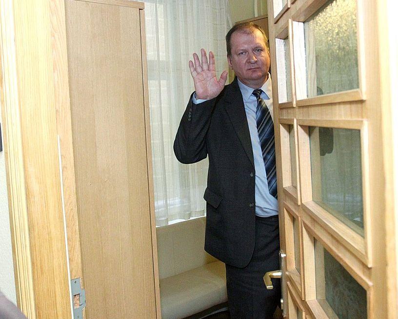 Februārī Andris Vilks noraidīja pārmetumus par plosīšanos dzērumā.