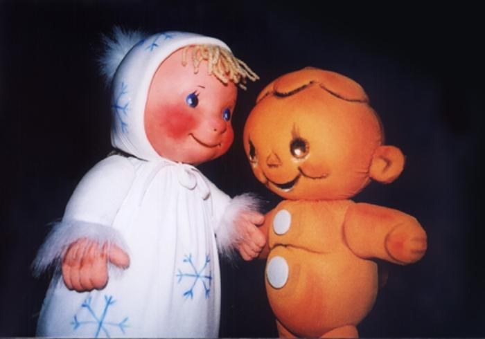 "Lelles no izrādes ""Ziemas pasaka""."