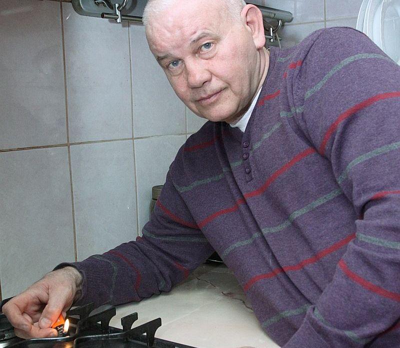 Rīdzinieks, 2. grupas invalīds Jānis Bušmanis palicis bez gāzes 46 eiro parāda dēļ. Viņš nesaprot, kāpēc nevarētu parādu samaksāt pa daļām, nevis visu uzreiz.