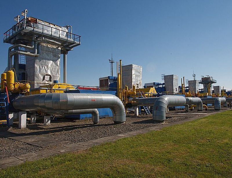 Līdz 10. jūlijam pazemes krātuvē Ļvivas tuvumā Ukrainas dienvidrietumos bija iesūknēti 12,2 miljardi kubikmetru gāzes, bet uzkrājums vairākkārt jāpalielina, lai nodrošinātu patēriņu ziemā un garantētu Krievijas gāzes tranzītu Eiropas patērētājiem.