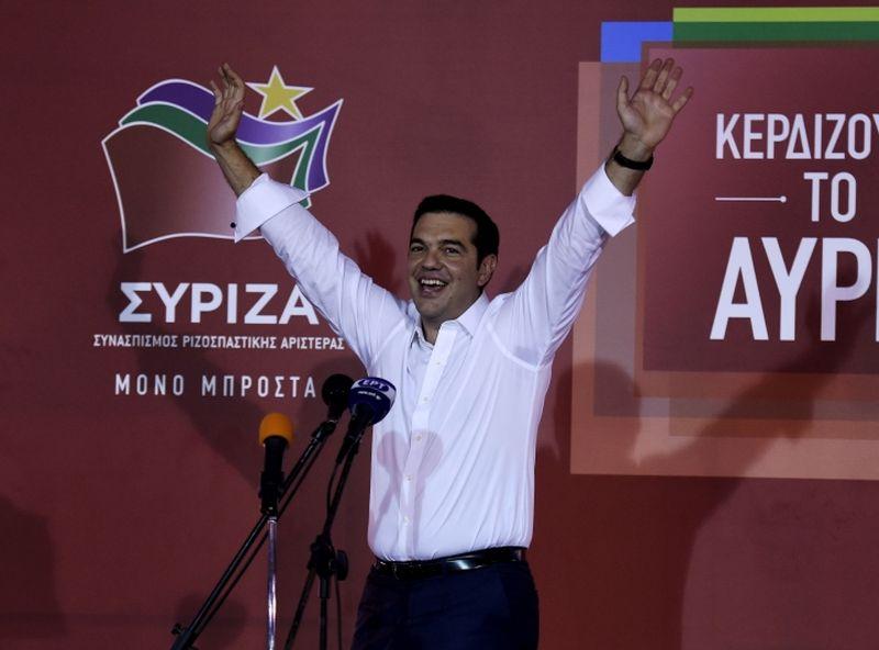 Aleksis Ciprs pateicas saviem atbalstītājiem par uzvaru vēlēšanās.