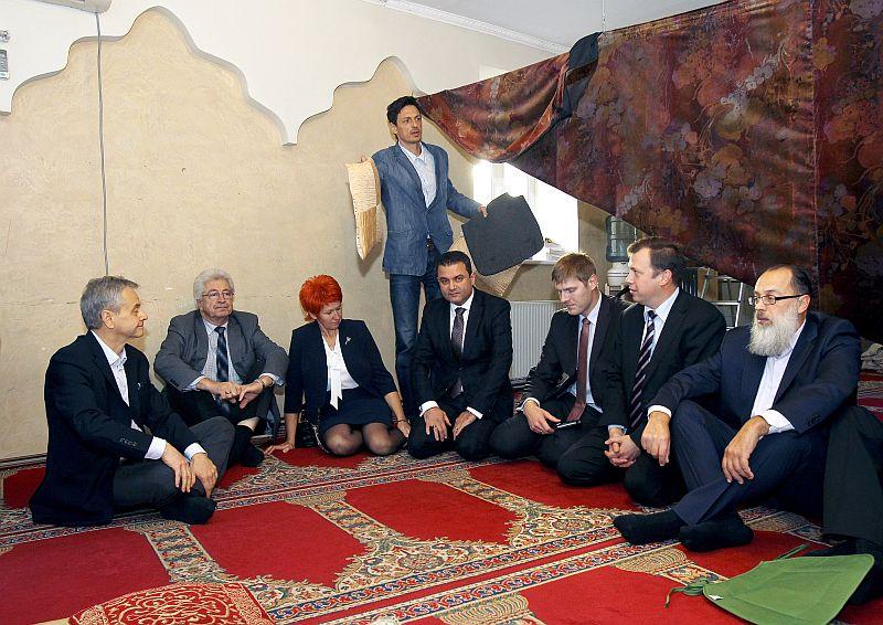 Pilsonības, migrācijas un sabiedrības saliedētības komisijas izbraukuma sēde. Tikšanās ar Latvijas Islāma Kultūras centra pārstāvjiem.