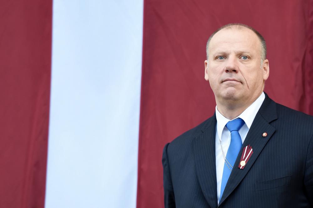 Aizsardzības ministrs Raimonds Bergmanis.