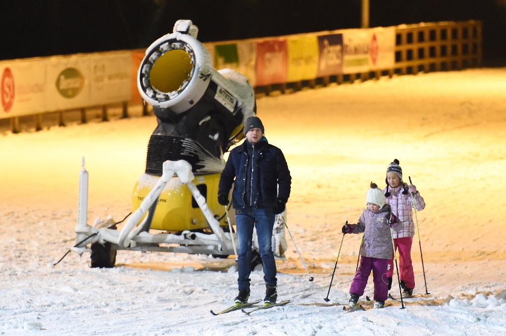 """Siguldas sporta un aktīvās atpūtas centra saldētā distanču slēpošanas trase """"Laurenči""""."""