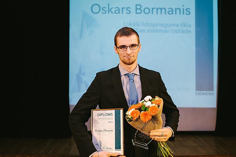 Balvas laureāts – RTU jaunais zinātnieks Oskars Bormanis.