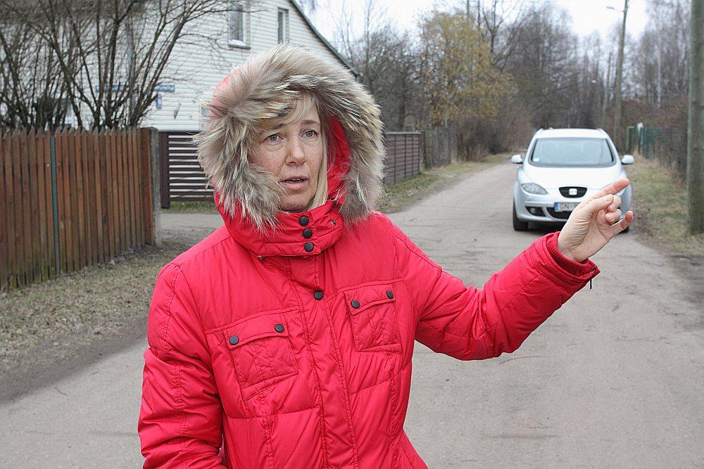 """Sandra Pavlovska: """"Esmu nobažījusies par to, ka, nemaksājot nodokli par zemi, to kopā ar manu ģimenes privātmāju kādā brīdī var atsavināt par labu ostai."""""""