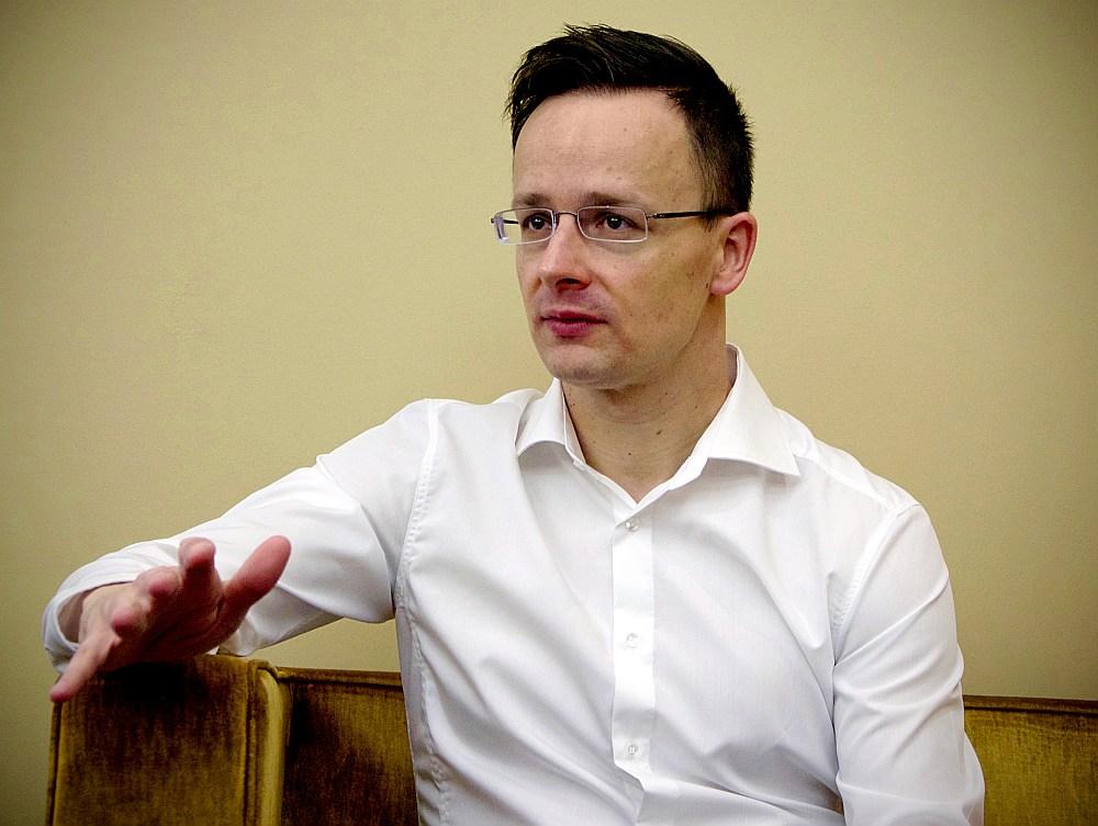 Pēters Sijārto
