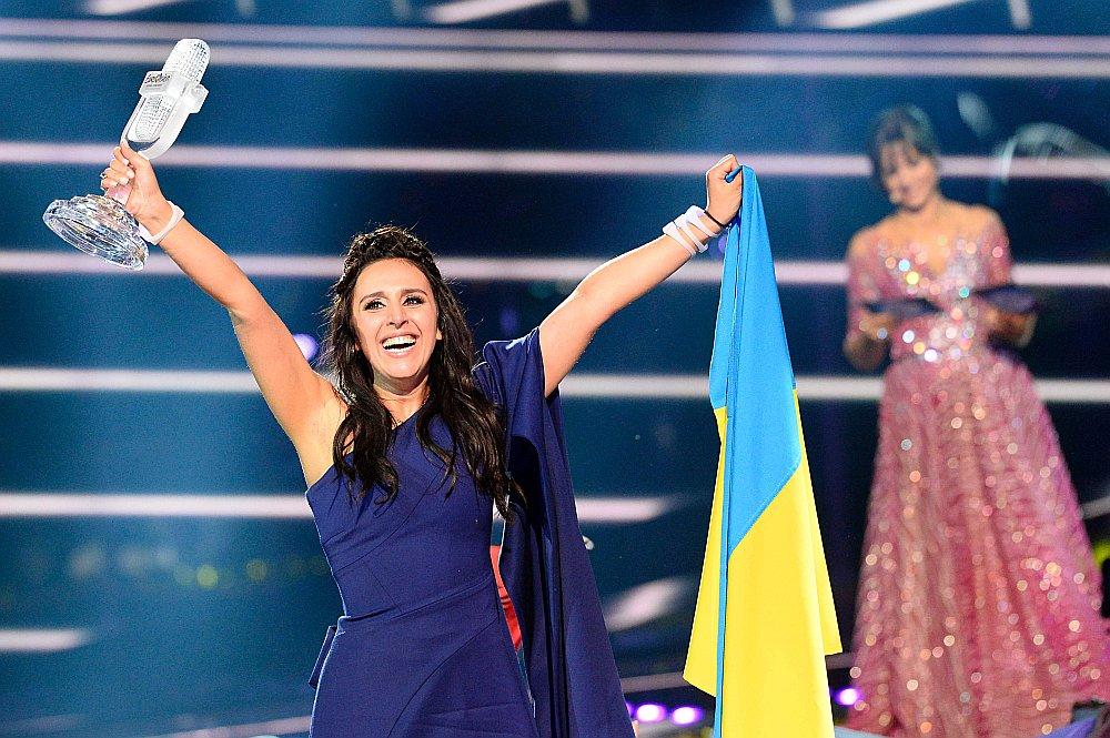 """Eirovīzijas finālā triumfēja Ukrainas izpildītāja Džamala ar dziesmu """"1944"""""""