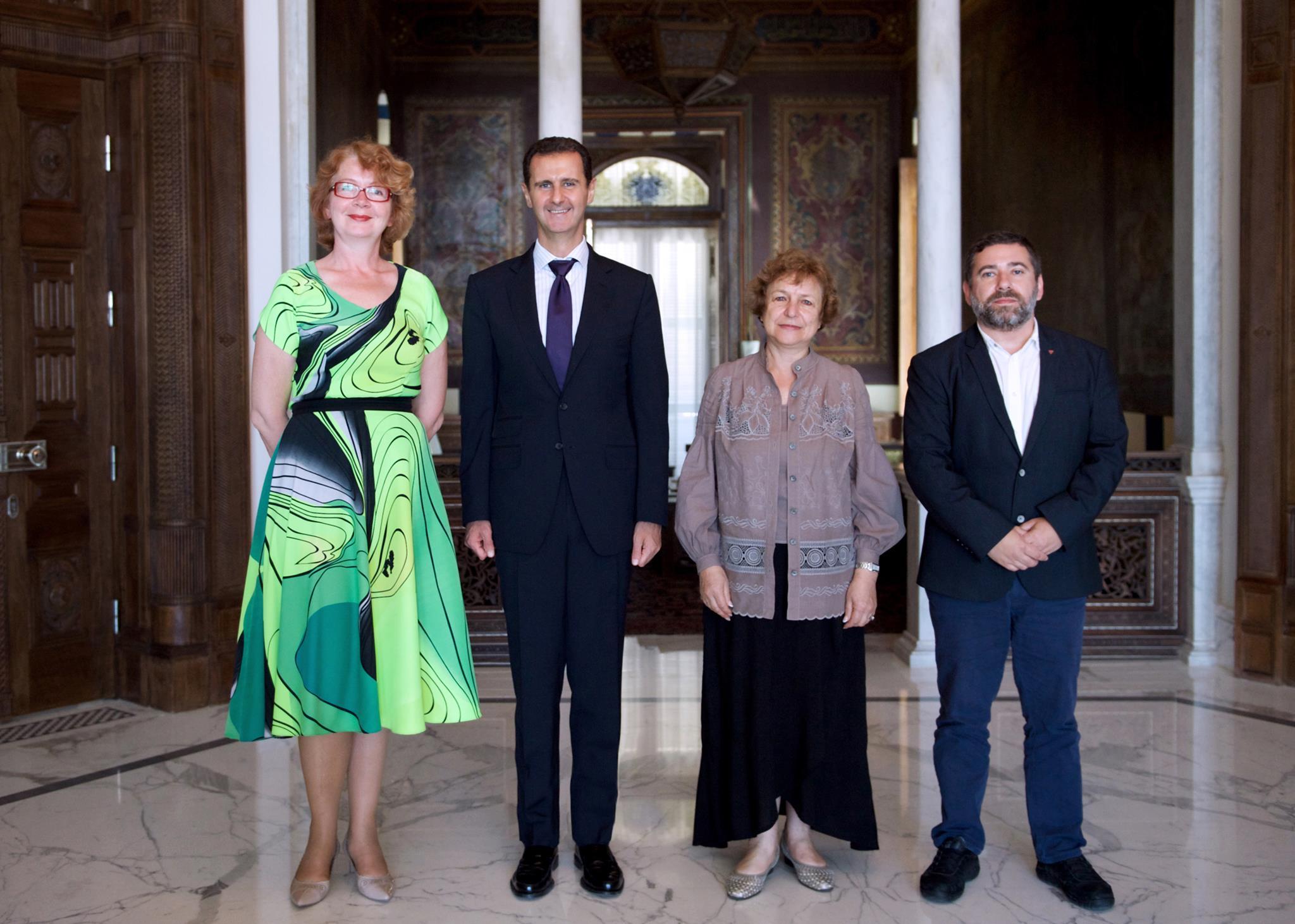 """Foto – no Tatjanas Ždanokas """"Facebook"""" konta. Kopā ar Bašaru al Asadu. Pirmā no kreisās – Jana Toma."""