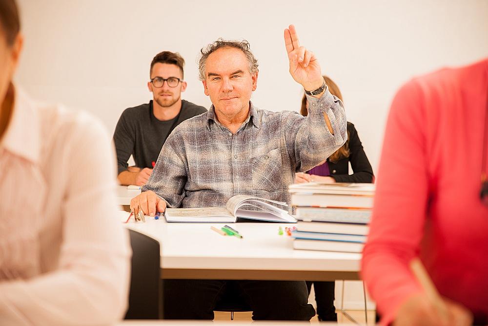 Mācību ietekmē vajadzētu pieaugt strādājošo konkurētspējai un darba produktivitātei.