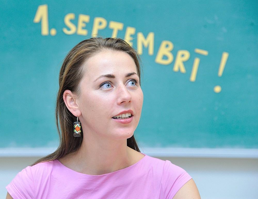 Baiba Baltiņa jaunajā mācību gadā novēl visiem Latvijas skolotājiem, jo īpaši saviem skolotājiem Balvu Valsts ģimnāzijā un saviem topošajiem kolēģiem O. Kalpaka Rīgas Tautas daiļamatu pamatskolā, izturību un iedvesmu.
