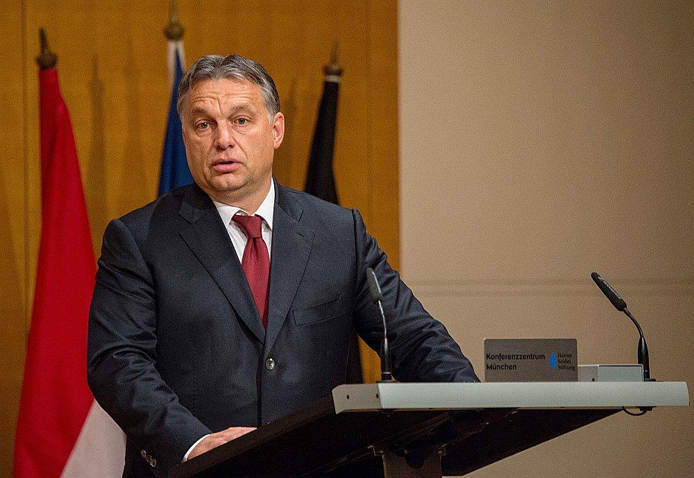 """""""Tautas nemainās, nacionālās un reliģiskās identitātes joprojām ir savā vietā (..) nekāda Eiropas identitāte to nevar aizstāt,"""" uzskata Ungārijas premjerministrs Viktors Orbāns."""