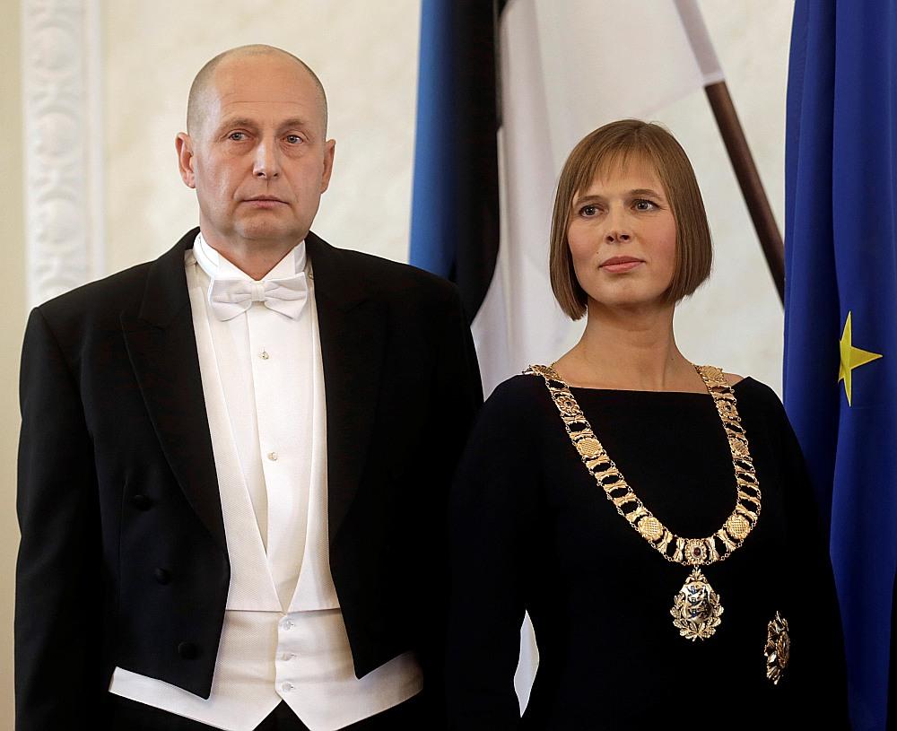 Igaunijas jaunais pirmais pāris – valsts prezidente Kersti Kaljulaida un viņas noslēpumainais dzīvesbiedrs Georgs Rēne Maksimovskis.