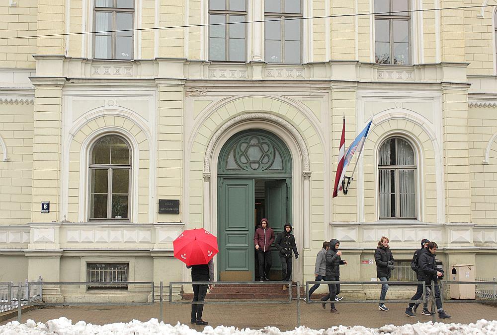 Rīgas Valsts 1. ģimnāzija joprojām ir nenoliedzama līdere skolu reitingā.