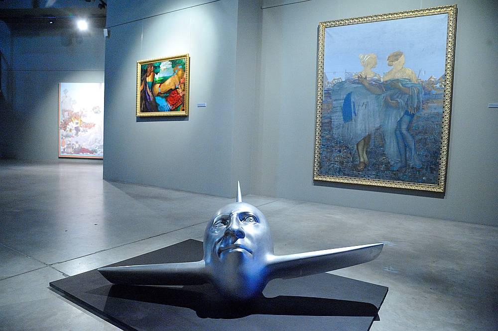 Mākslinieki, izmantojot universālu mitoloģisko tēlu valodu, gan pauž savu viedokli par reāliem notikumiem, gan arī veido laikabiedru attieksmi pret tiem.