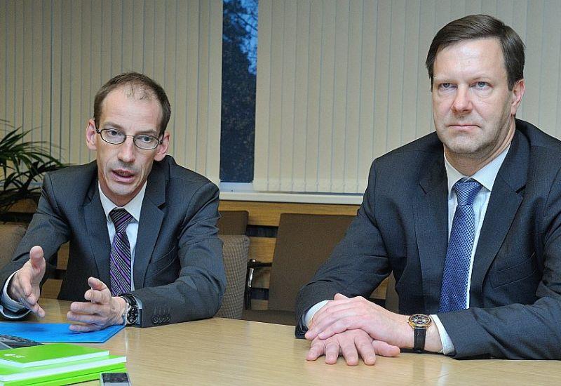 Andis Pinkulis (no labās) un Rolands Lūsveris