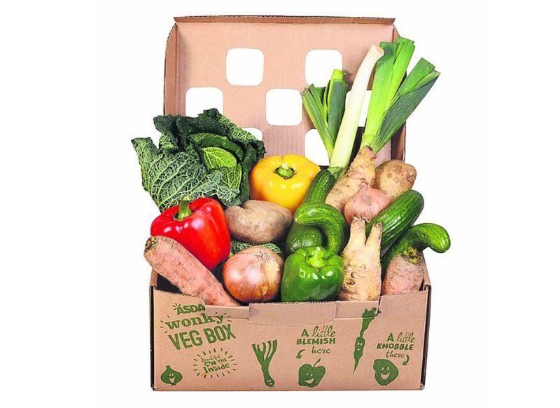 Anglijā pārtikas lielveikalu ķēdēs lielu pircēju popularitāti guvušas nestandarta dārzeņu kastes.