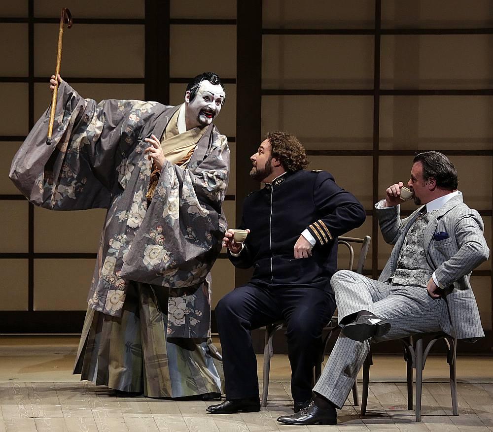 """Alvja Hermaņa iestudējums """"Madama Butterfly"""" Milānas """"La Scala"""" izvērties par muzikālu un skatuvisku veiksmi."""