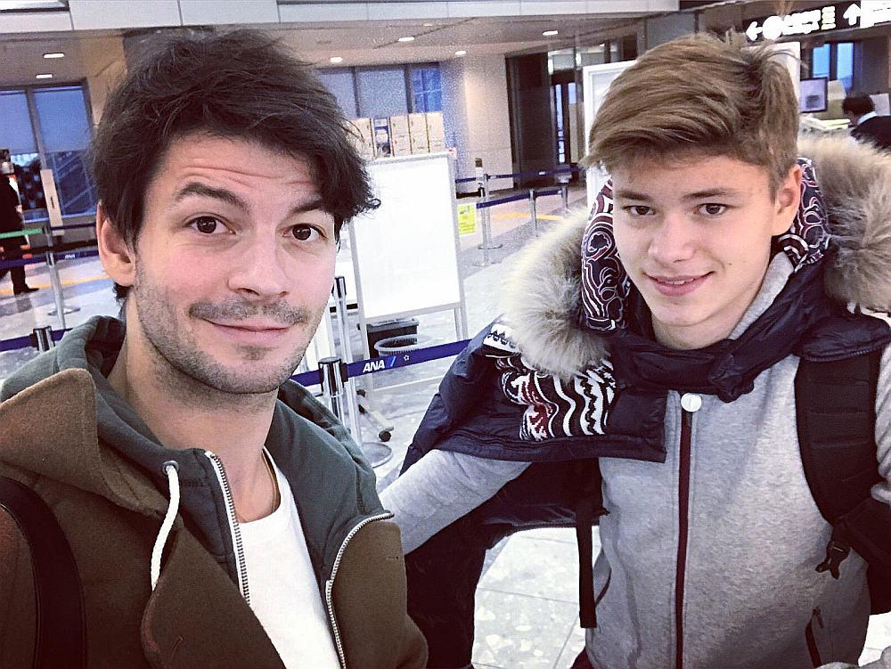 Deniss Vasiļjevs (no labās) kopā ar savu treneri Stefanu Lambjēlu.