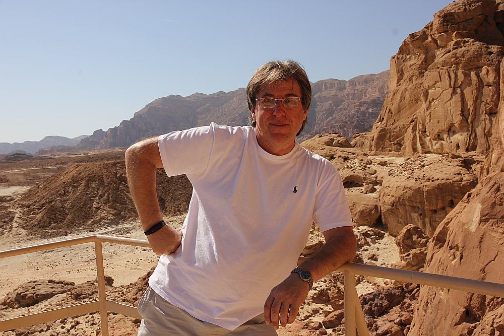 Anatolijs Plotkins, dzīvojot Latvijā, tikai dažu stundu laikā var būt Izraēlā, lai pavadītu brīvdienas.