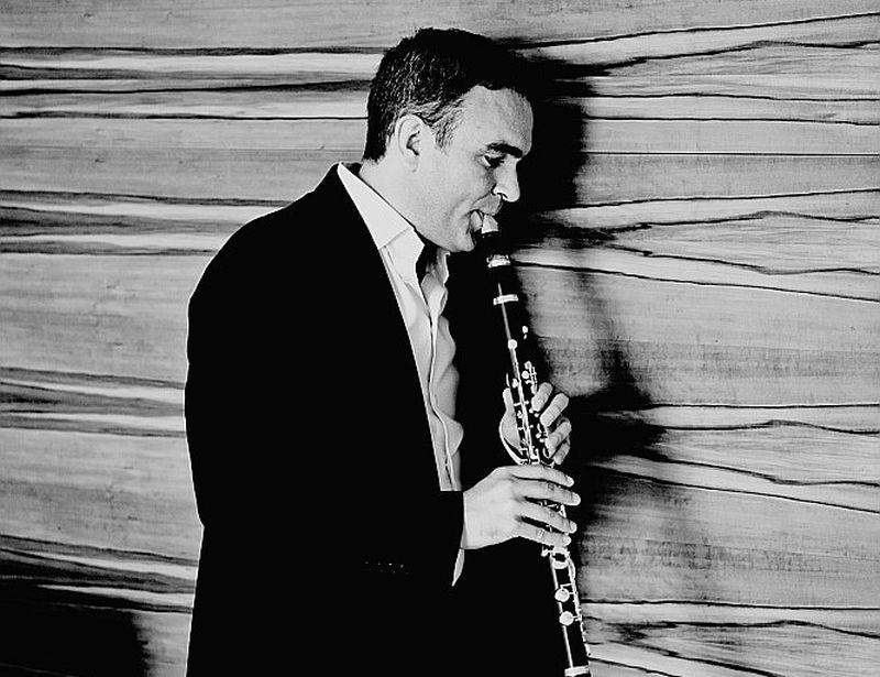 Jērga Vidmaņa solopriekšnesums aizrāva gan ar skaistu un plūstošu klarnetes toni, gan izkoptu stila un gaumes izjūtu.