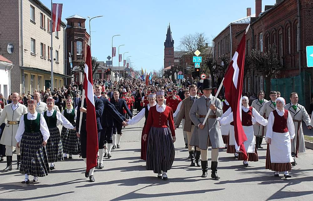 Krāšņākais Latgales kongresa simtgades pasākums 2017. gada maijā bija svinīgais gājiens no Rēzeknes katedrāles uz vēsturiskajam notikumam par godu izveidoto pieminekli un laukumu Atbrīvošanas alejā.