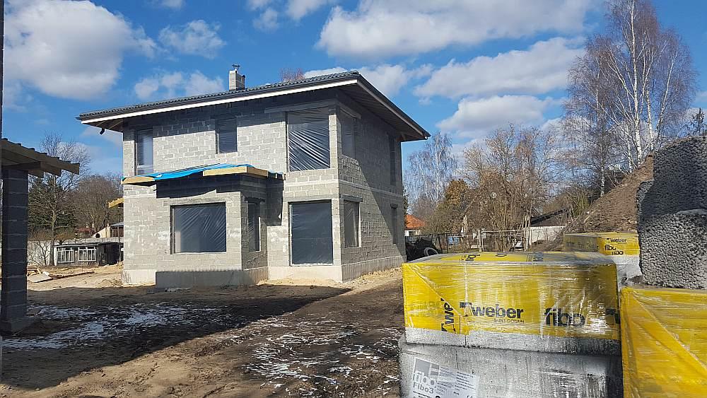 No vieglbetona celtniecības blokiem māju var uzsliet ātri.