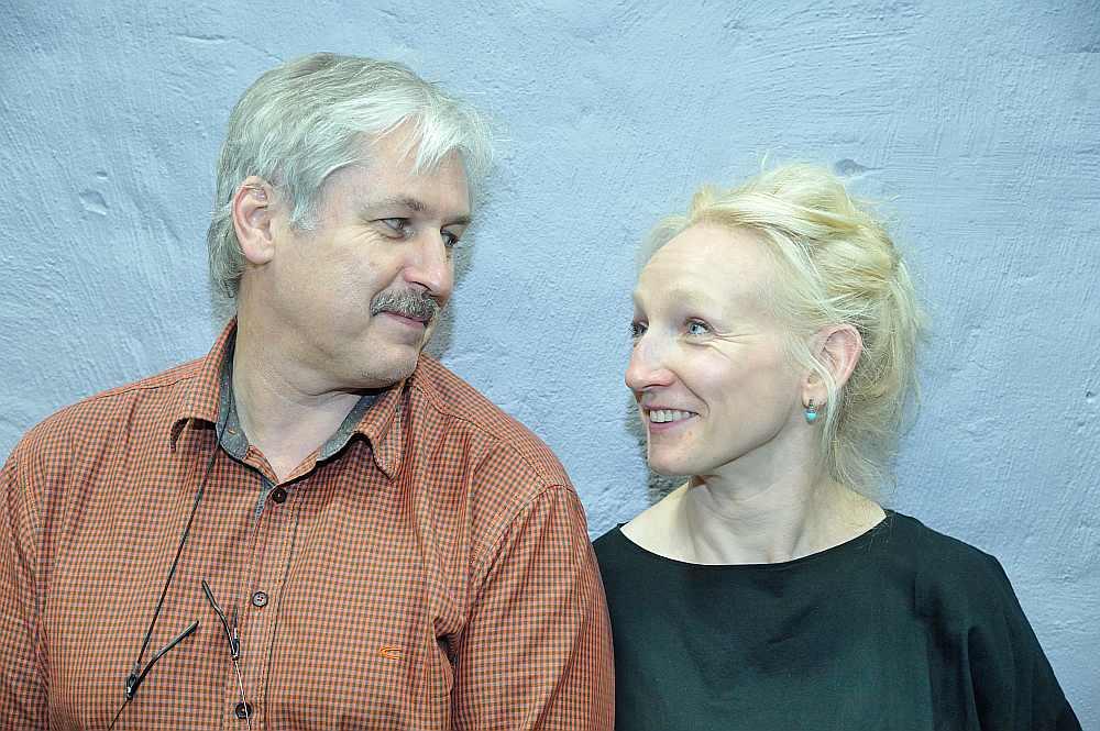 """Latvijas Radio kora mākslinieciskais vadītājs Sigvards Kļava un JRT aktrise Guna Zariņa ir vienisprātis, ka uzvedums """"Naktssardze"""" noteikti ir stāsts par robežu pārkāpšanu, jo mīlestībai nāve nepastāv."""