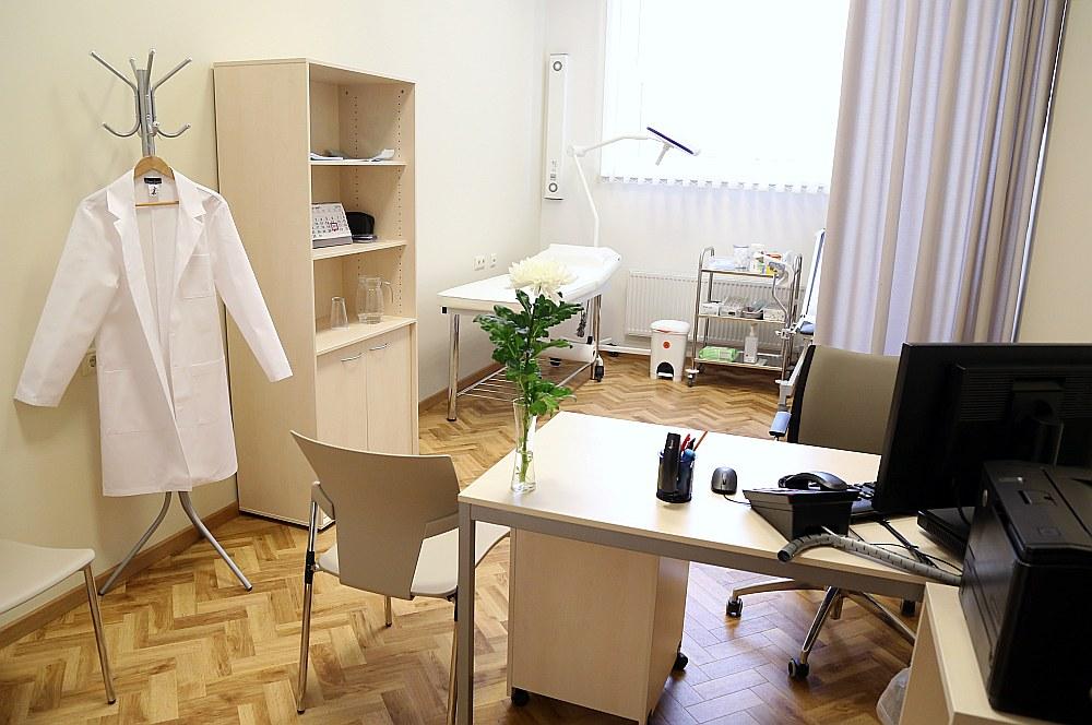 Ģimenes ārsti pienākumus atsāks pildīt, kad Veselības ministrija izpildīšot Latvijas Ģimenes ārstu asociācijas izvirzītās prasības. Pagaidām nekas neliecina, ka tās tiks izpildītas.