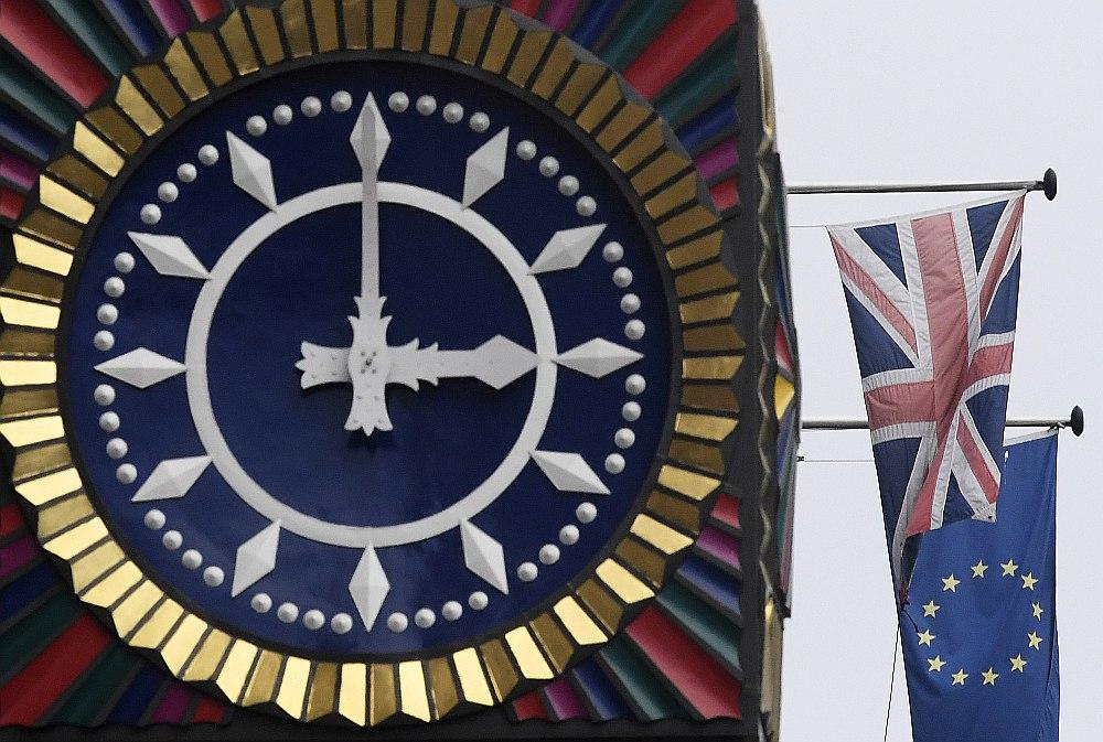 Gaidot brīdi, kad Lielbritānija aizies no Eiropas Savienības, Latvija cer, ka arī uz mūsu valsti varētu pārcelties kādi finanšu pakalpojumu uzņēmumi. Lielbritānijā tikšot rīkoti arī dažādi semināri, kuros tiks stāstīts par Latvijas priekšrocībām.