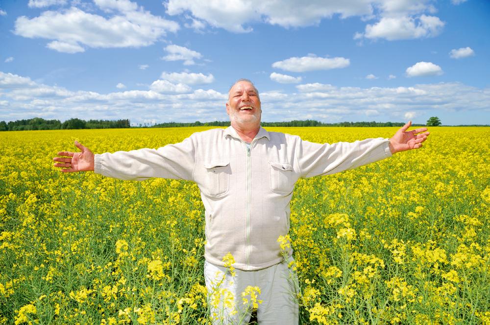 """Zemnieku saimniecības """"Sārāji"""" saimnieks Kārlis Kalniņš meliorācijas sistēmu uzturēšanā ik gadu investē desmitiem tūkstošu eiro"""