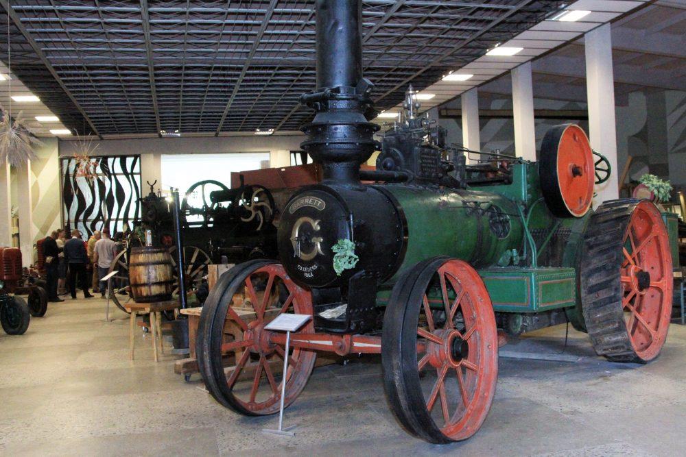 Kuļmašīnas lokomobile Latvijas Lauksaimniecības muzejā Talsos