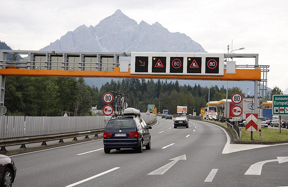 70 kareivju piedalīsies galvenokārt preču vilcienu pārvadājumu pārbaudēs Brennera pārejā, kā arī atbalstīs policiju Tiroles iekšzemes transporta kontroles veikšanā.