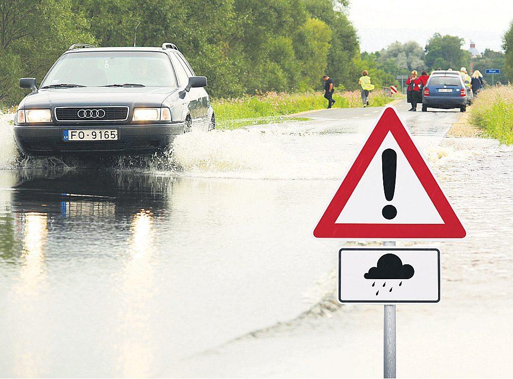 Meteorologi skaidro, ka Latvijā pakāpeniski mainās laika apstākļi un intensīvs lietus būs arvien biežāka parādība.