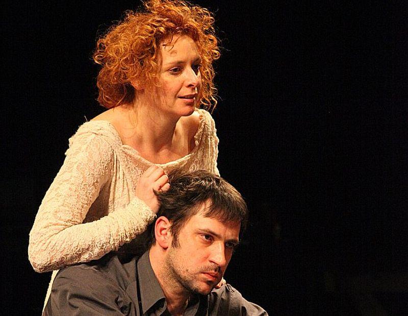 "Skats no horvātu režisora Olivera Frljiča iestudējuma ""Hamlets""."