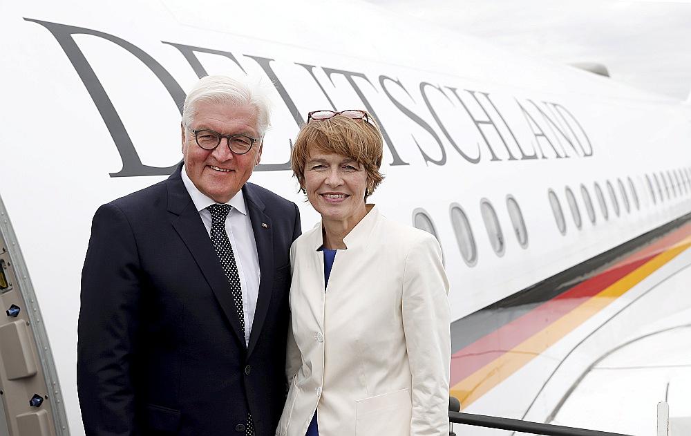 Vācijas prezidents Franks Valters Šteinmeiers un viņa kundze Elke Bīdenbendere šodien ierodas vizītē Latvijā.